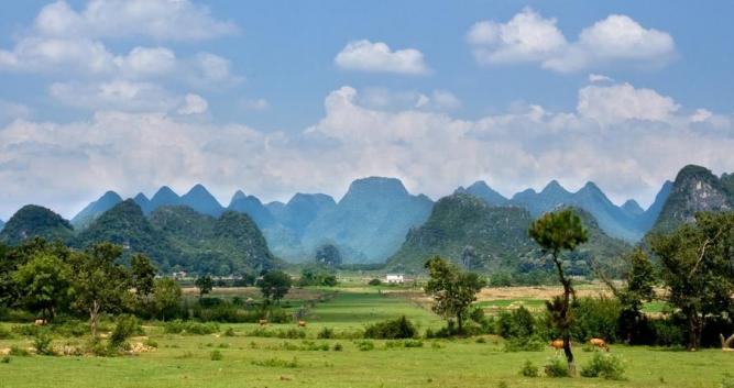 Yangshuo scenery, near Guilin in Luxury Travel China