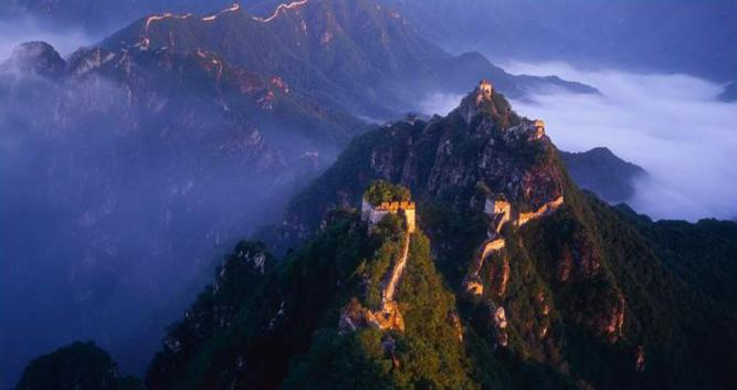 Misty-Hills-Great-Wall-of-China