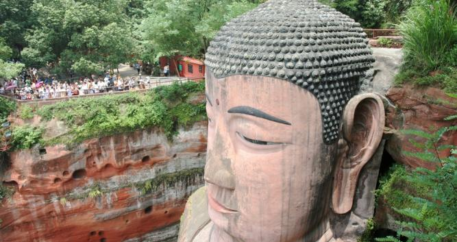 head-of-seated-Buddha-Leshan-near-Chengdu-China