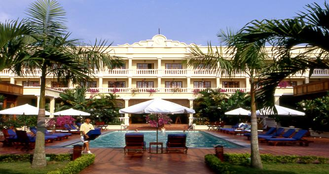 Swimming pool, The Victoria Can Tho hotel,  Mekong Delta