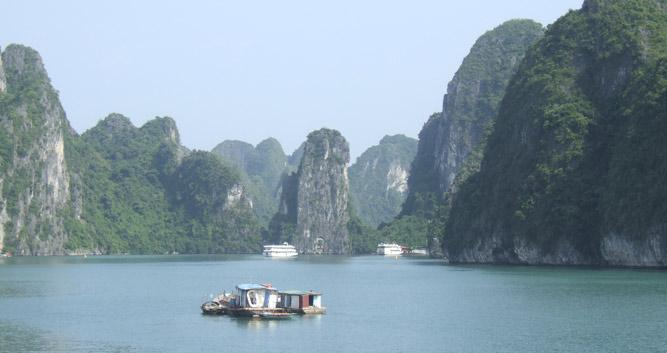 Spectacular lime karst scenery, Halong Bay, Vietnam
