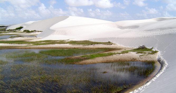 Lagoa Peixes Lagoon, Lencois Maranhenses, Brazil