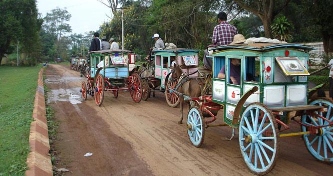 Maymyo-horse-and-carriage-Luxury-Burma-Travel