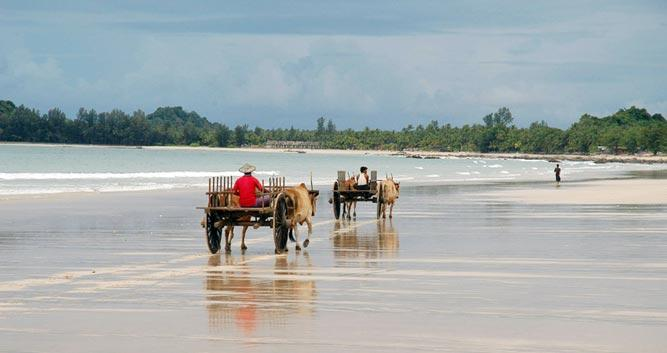 Deserted-Ngapali-Beach-Luxury-Burma-Travel