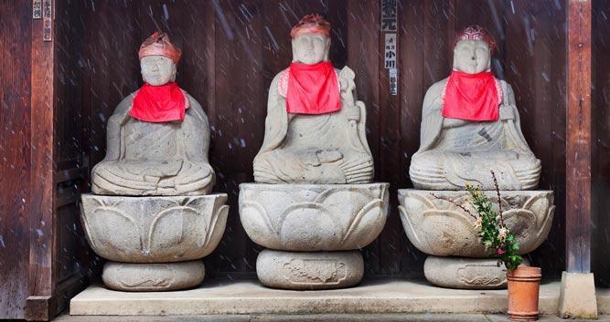 Stone-Buddha-statues-in-Takayama - Luxury Japan Tours
