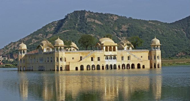 Water Palace ( Jai Mahal) in Man Sagar Lake, Jaipur, India