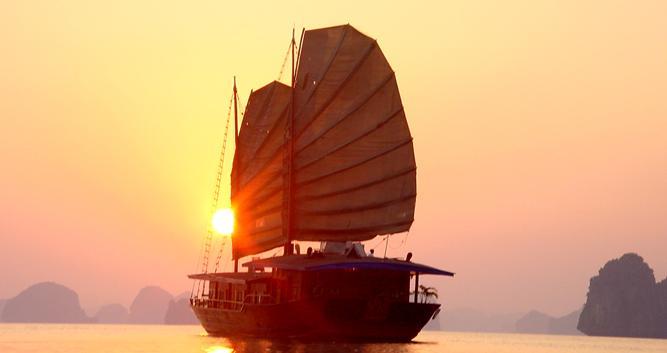 Traditional luxury junk, Halong Bay, Vietnam