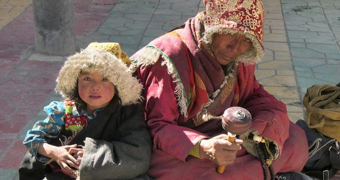 Image of Gyantse locals - Tibet, China - Luxury China Travel