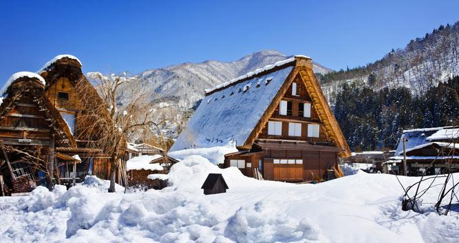 Snow on houses, Cottage at Gassho Zukuri, Shirakawago, Japan