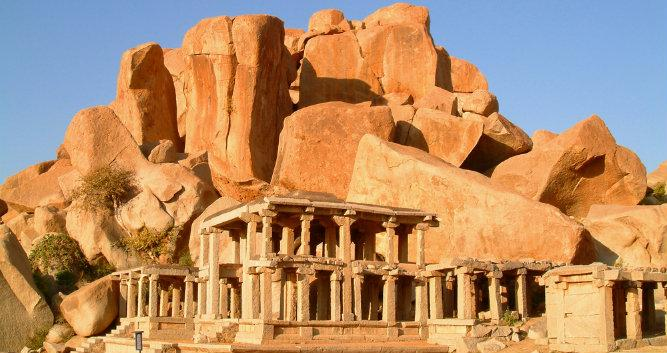 Hampi - rock temple - India - India - Luxury India Travel