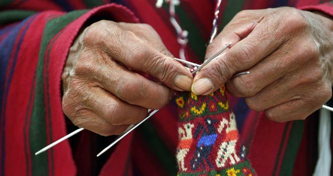 Tequil Island knitter, Titicaca Lake, Peru, South America